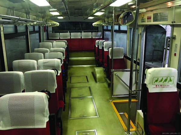 Yaponskie_trolleybusy_ezdyat_pod_zemley