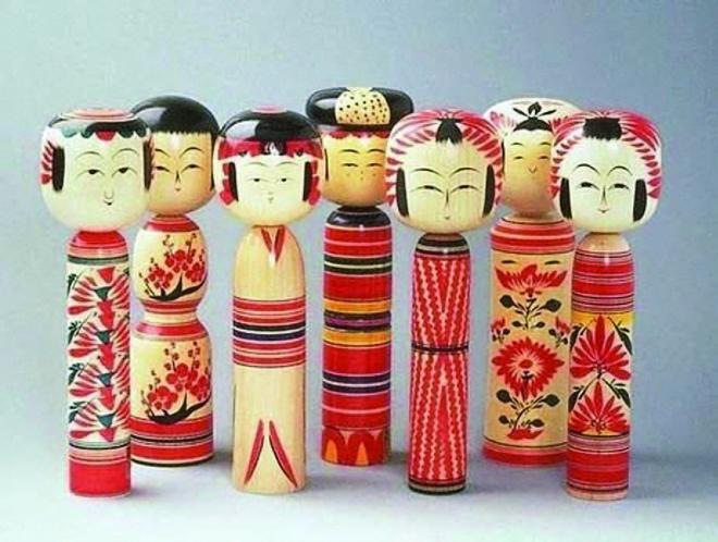 Kokesi_-_milye_yaponskie_kukolki_