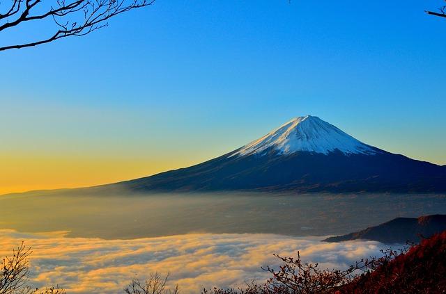 more_oblakov_fujiyama